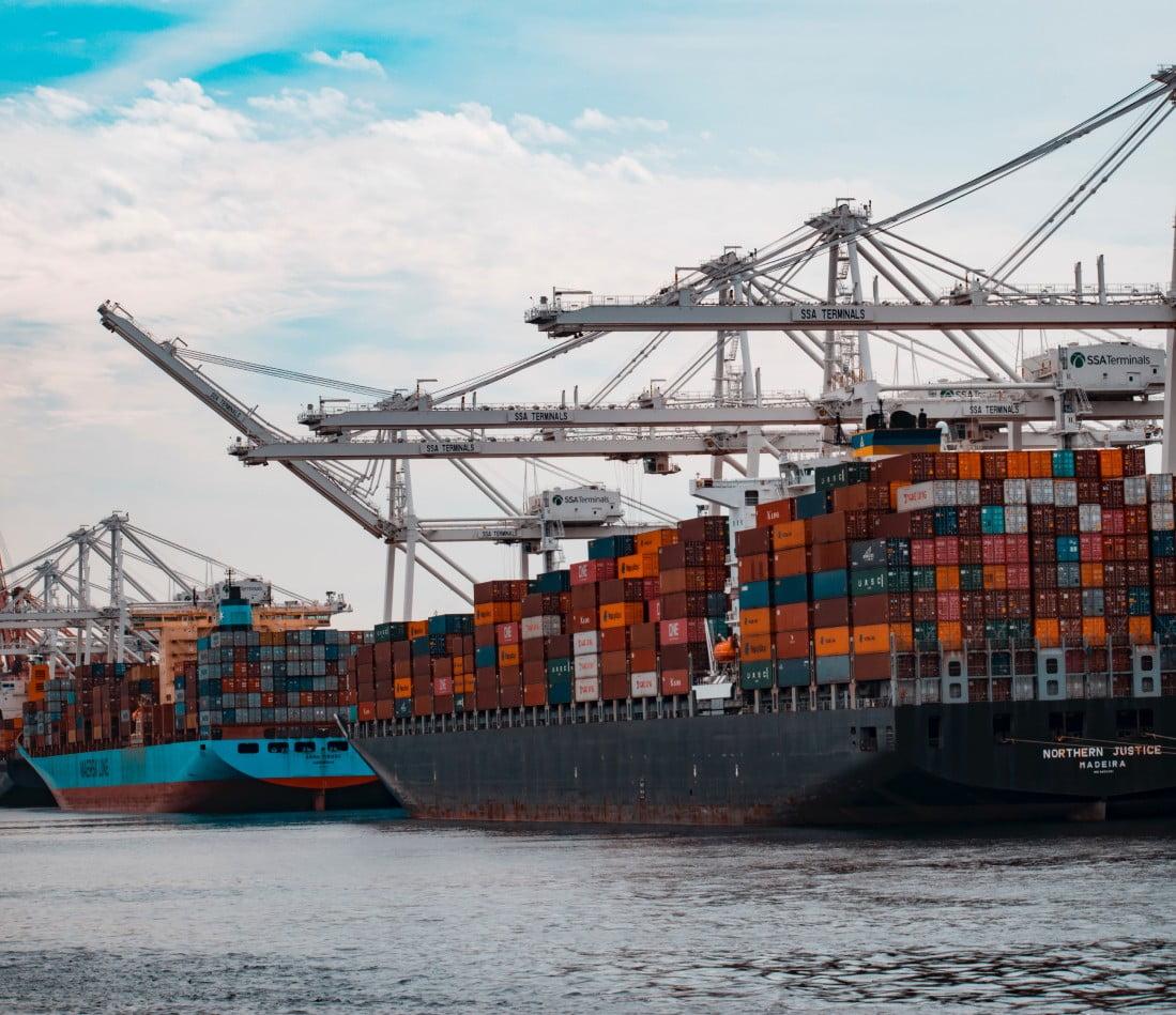 судно для морских перевозок грузов